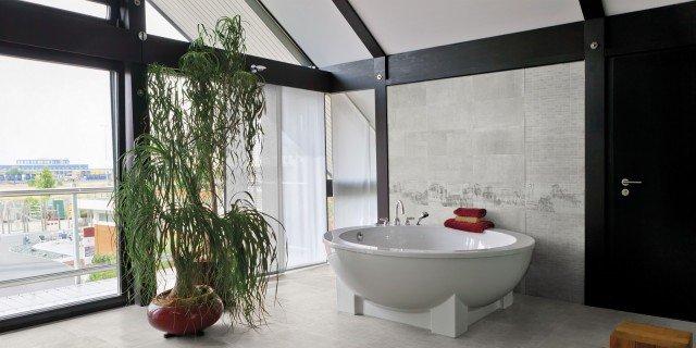 Pavimenti per il bagno: gres in tante versioni, diversissime per gusto e stile