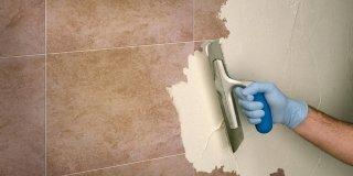 Rifare il bagno senza togliere le piastrelle e con piccoli interventi