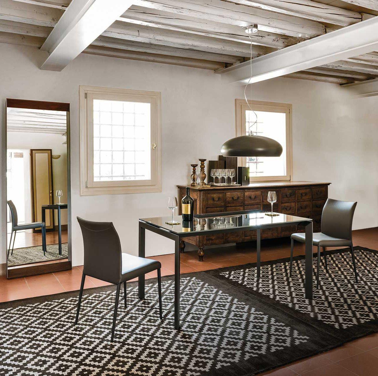 Tavoli sedie lampade come abbinarli cose di casa for Piani di casa in metallo