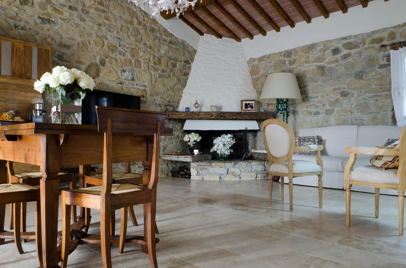 Pavimenti per il soggiorno marmo effetto marmo ed for Pavimenti per cucina e soggiorno