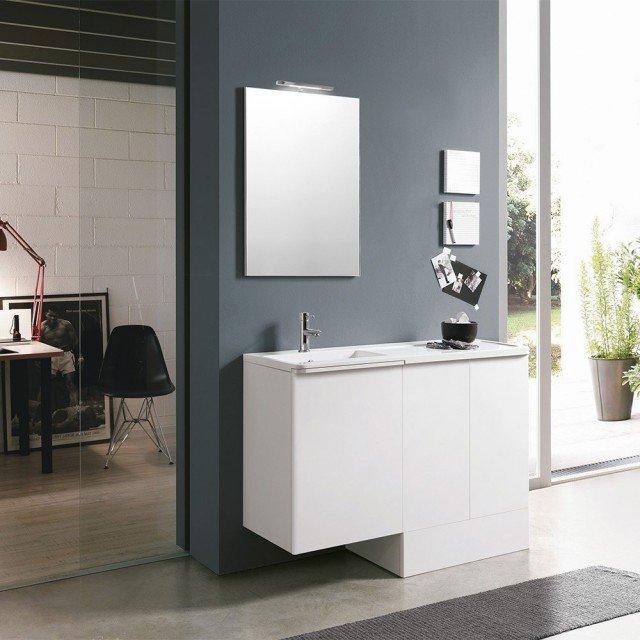 La composizione Round di Geromin ha il lavatoio in mineralmarmo e ante in mdf rivestite in pvc bianco lucido; misura L 120 x P 65/75 cm. www.geromin.it