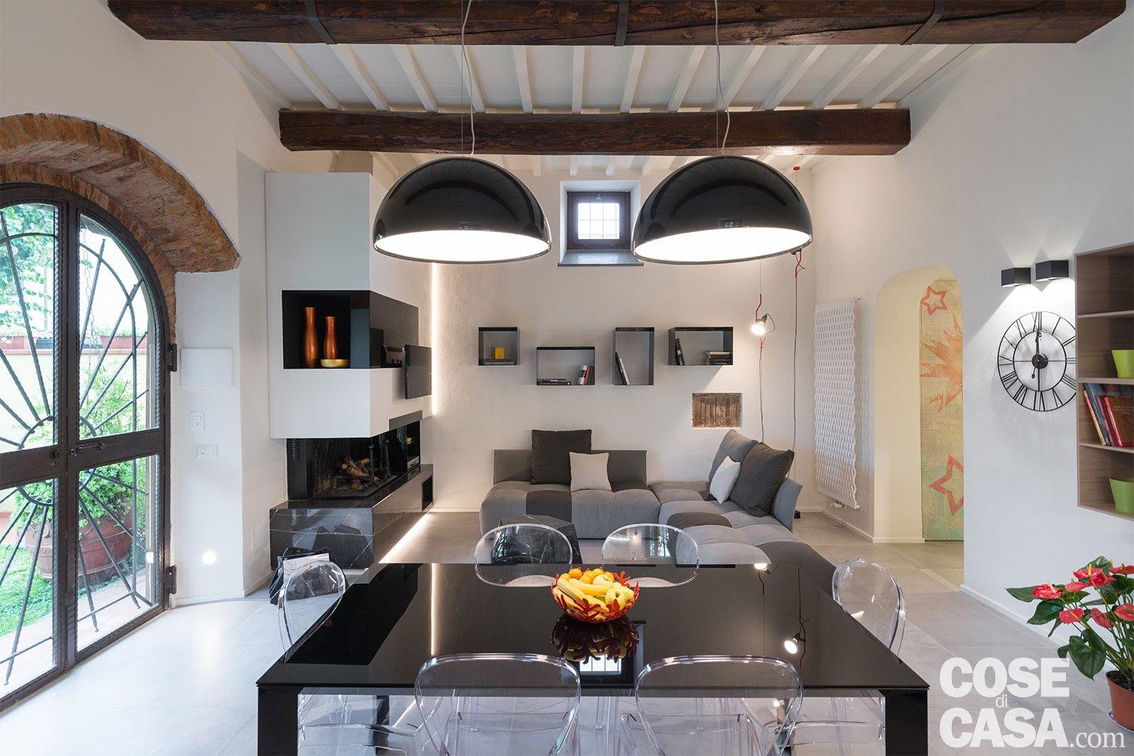 65 mq un 39 ex cascina effetto loft cose di casa for Stanza da pranzo contemporanea