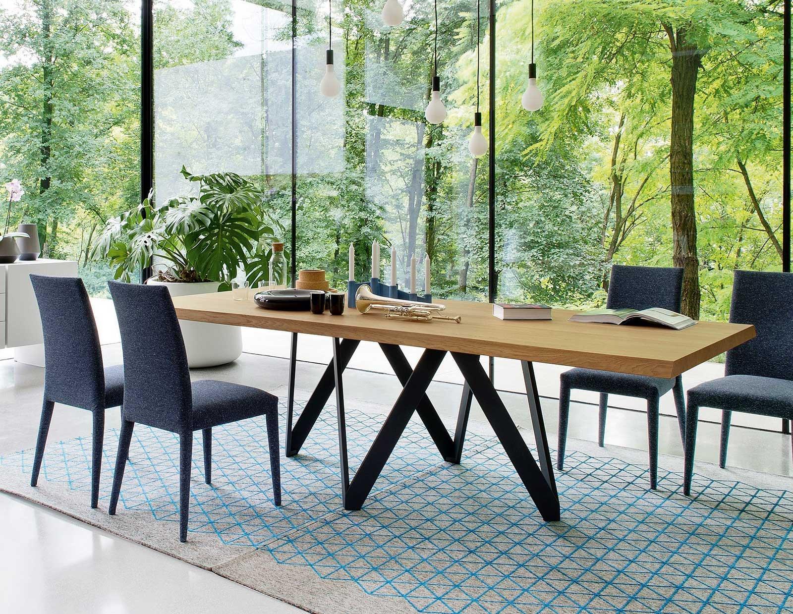 Tavoli sedie lampade come abbinarli cose di casa for Sedie tavolo pranzo