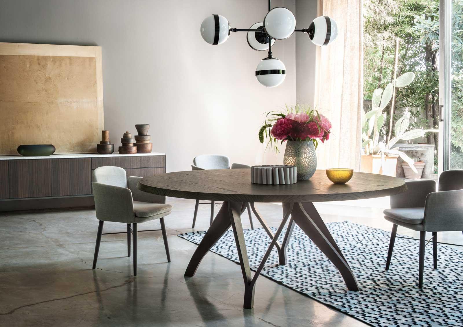 Design per la zona pranzo i tavoli lema rettangolari e rotondi cose di casa - Si trovano sul tavolo da pranzo 94 ...
