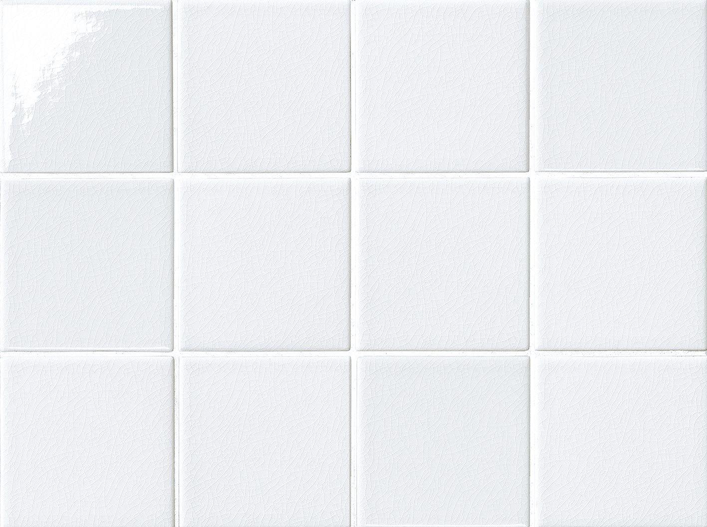 Vasca o doccia tutte e due cose di casa - Piastrella bianca lucida ...