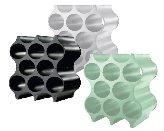 I portabottiglie modulari Set-Up di Koziol, in vari colori, misurano L 23 x P 35 x H 36 cm e costano 35,95 euro. Koziol made in Germany, distr. da Merito, www.merito.it