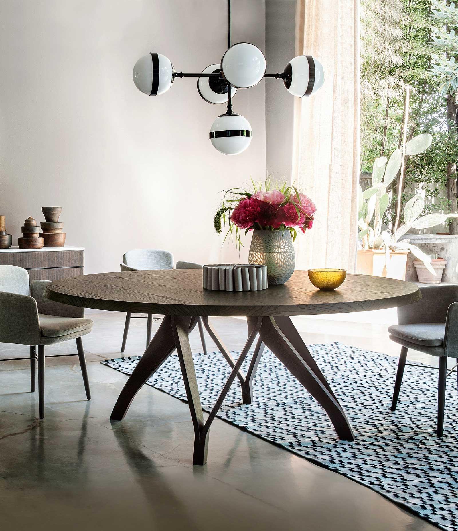 Tavoli sedie lampade come abbinarli cose di casa for Tavolo rotondo diametro 90