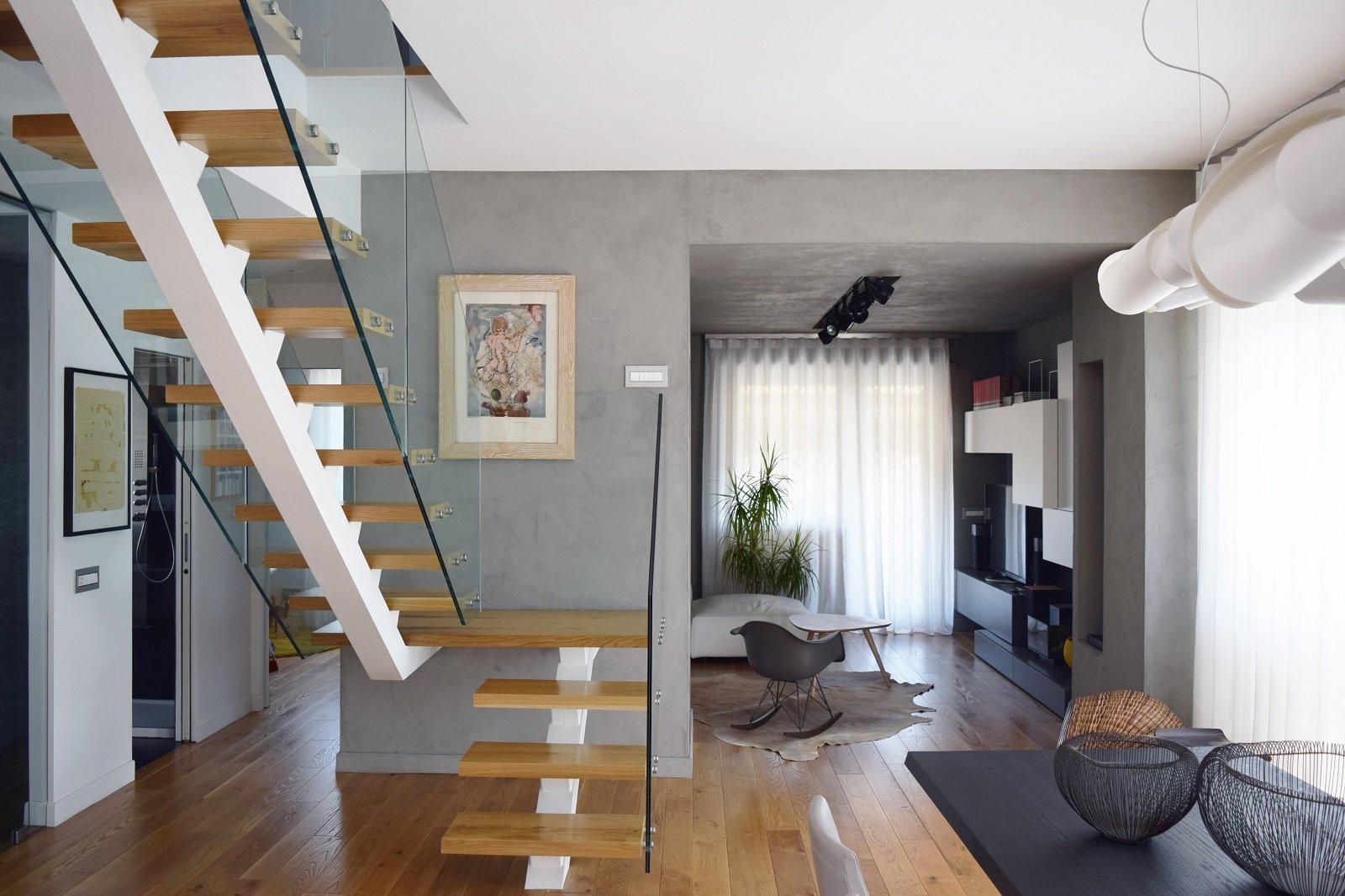 Sottotetto su due livelli con ambienti open space cose di casa - Scale per appartamenti ...