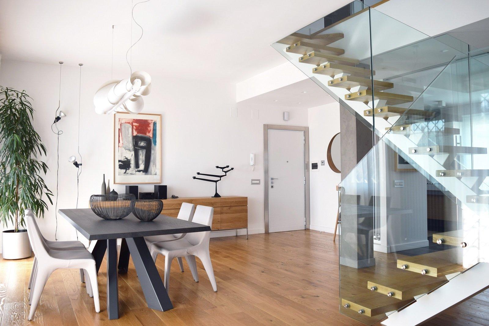 Sottotetto su due livelli con ambienti open space cose for Disegni di casa piano aperto