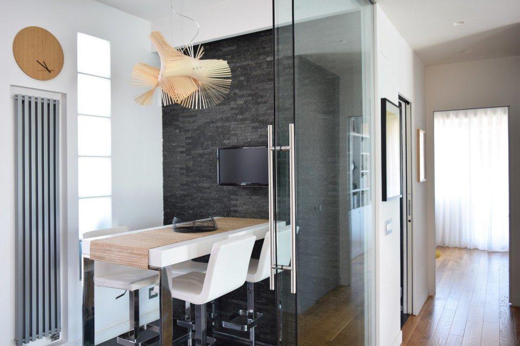 Sottotetto su due livelli con ambienti open space cose di casa - Altezza quadri sopra divano ...