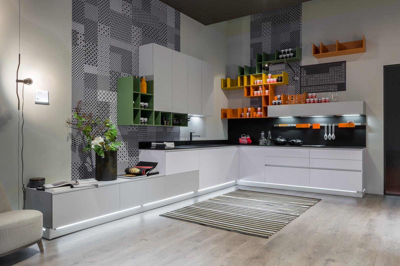 Piani di lavoro innovativi per la cucina cose di casa for Cucina stosa infinity
