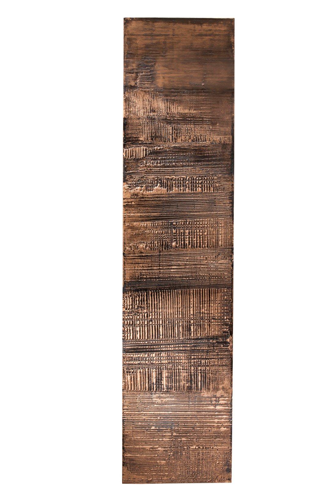 9. Granit Cuivre della collezione Cinier di Brem è un calorifero che ha la superficie decorata da rame annerito che crea un effetto scultoreo impreziosito dalla vernice metallica: sembra un' opera d'arte contemporanea. Misura L 50 x H 220 cm. Prezzo 5.650 euro. www.brem.it