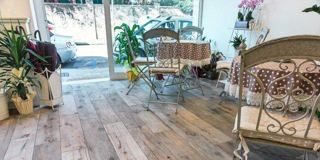 Pavimenti: gres, effetto legno, scontato