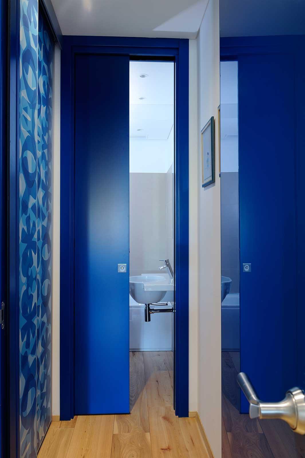 Parete Colorata In Cucina : Come scegliere la porta scorrevole per il bagno cose di casa