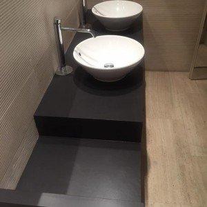Rifare il pavimento senza togliere il vecchio infissi - Rivestire bagno senza togliere piastrelle ...