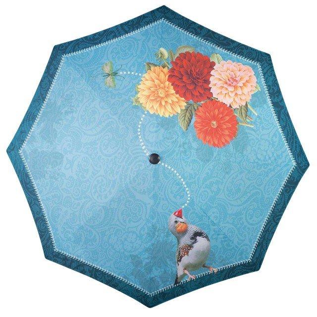 Ha un diametro di 3,50 metri l'ombrellone in poliestere Parasolasido disegnato da Saskia van der Linden con romantici motivi floreali. La base d'acciaio ha un diametro di 70 cm. Prezzo su richiesta. di Fatboy; www.fatboyitalia.com