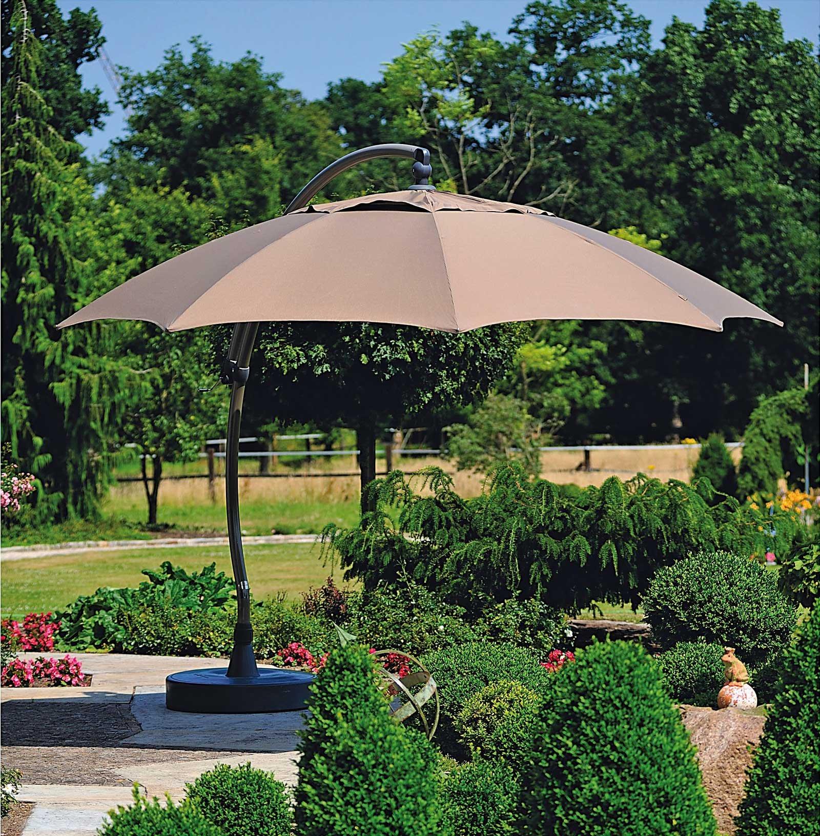 Tende ombrelloni e pergole per difendersi dal sole cose - Pergolati in ferro leroy merlin ...