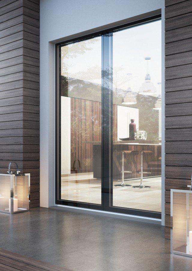È senza telaio esterno la lastra in vetro della portafinestra Cloud Glass di BG Legno disponibile in svariate finiture legno e laccato. Ha vetro strutturale con spessore di 45 mm. Beneficia dell'ecobonus al 65% e ha una prestazione termica Uw fino a 0,8 W/m²K. L'anta misura L 88 x H 230 cm. Prezzo su richiesta. www.bglegno.it