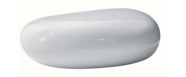 Pouf Koishi Anno: 2004 Design: Naoto Fukasawa Produttore: Driade • Si ispira ai sassi nei giardini zen giapponesi questo pouf dalle linee morbide, utilizzabile anche come tavolino. La struttura è in fibra di vetro, verniciato in diversi colori.