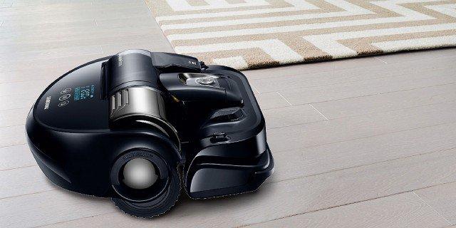 Pulire la casa con robot, scope elettriche, pulitori a vapore, aspirapolvere