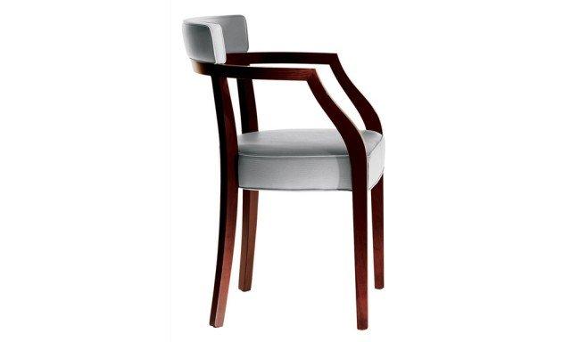 Neoz Anno: 1996 Design: Philippe Starck Produttore: Driade • La sedia fa parte di una collezione che comprende anche poltroncina a sgabello: rivisita nel design le tradizionali sedute in legno massello. La struttura ha finitura in mogano, naturale o ebanizzato.