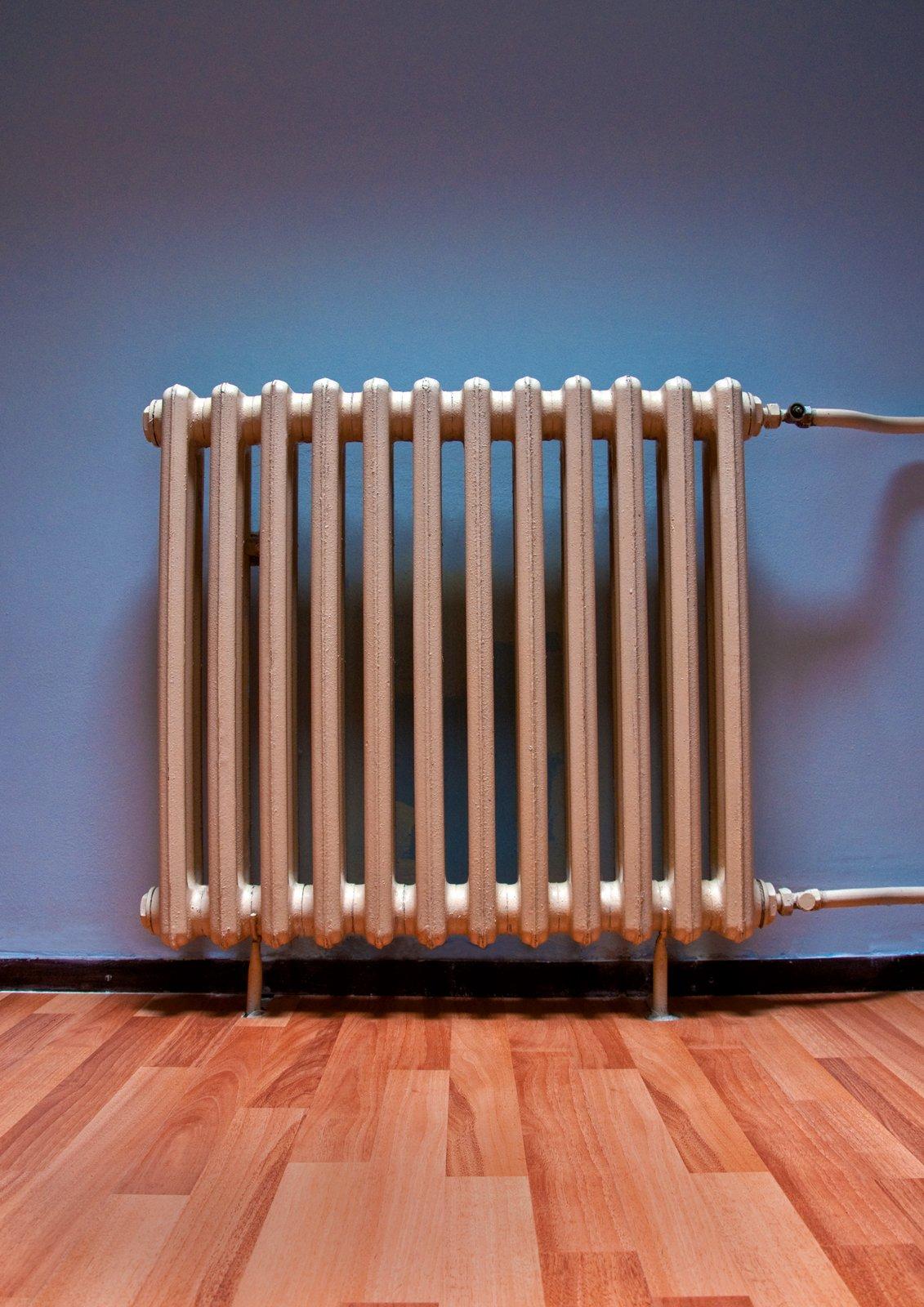 Verniciare I Termosifoni In Ghisa smalti per metallo: rimetti a nuovo col fai da te caloriferi