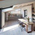 sottotetto in un condominio cucina ristrutturato con materiali bio