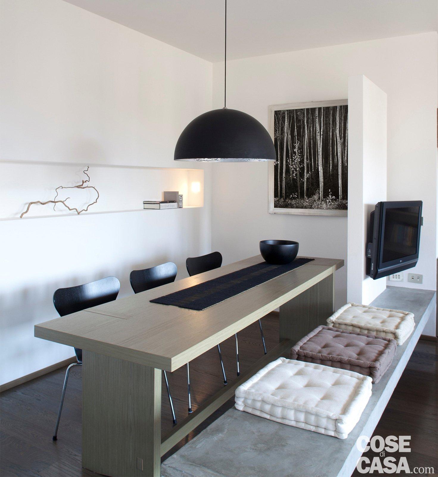 Una casa di 65 mq con volumi funzionali e originali quinte for Planimetrie dell interno della casa all aperto