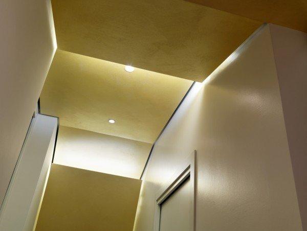 95 mq con cucina chiusa da parete vetrata, di taglio diagonale - Cose