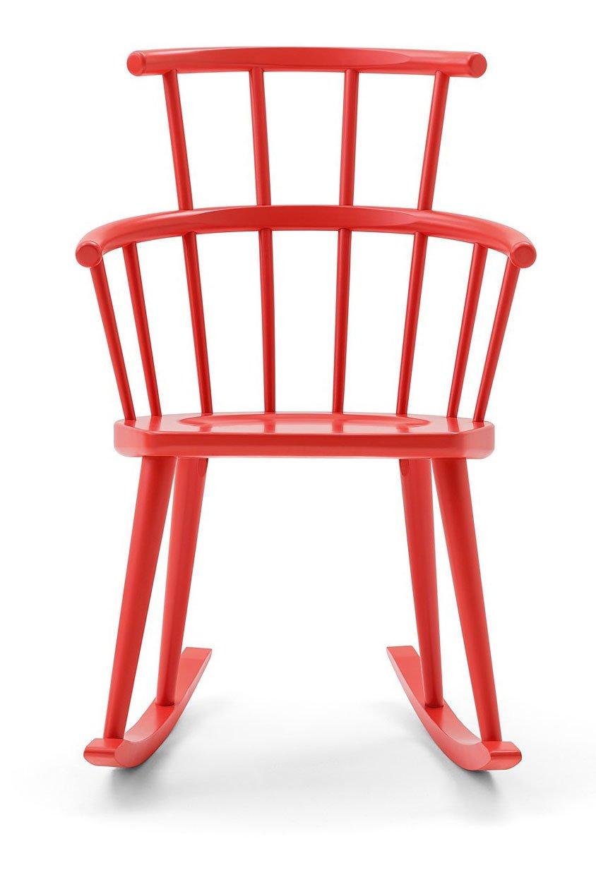 Una sedia a dondolo per arredare il soggiorno o la camera - Cose di Casa