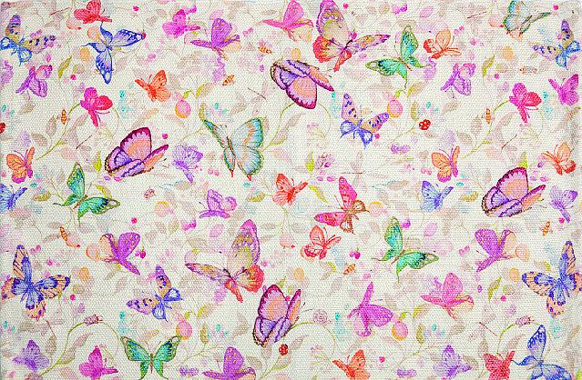 Decorato dalla stampa a farfalle, il tappeto Art. 42959029 di Zara Home è in poliestere. Misura 60 x 90 cm. Il costo è di due. € 71,98
