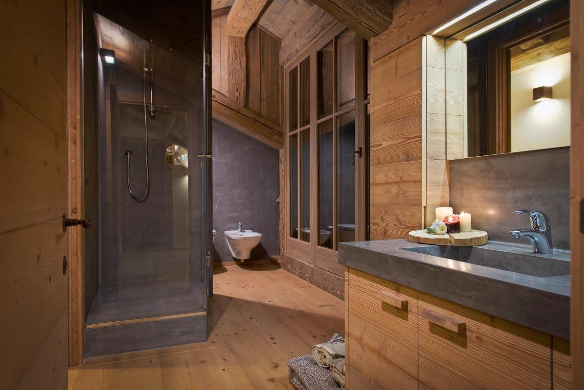 Casa di montagna moderna e funzionale e che fa for Bagno della casa moderna