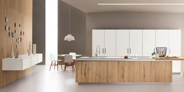 Cucina con l'isola: il modello ideale a vista sul soggiorno