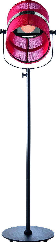 Il paralume si può staccare e utilizzare separatamente come lampada da appoggio. A energia solare, con autonomia fino a 9 ore (al minimo dell'intensità) Paris di Maiori ha la struttura in metallo laccato e il paralume in tessuto tecnico; regolabile in altezza, misura Ø 39,5 cm x H 130/170 cm e costa 389 euro. www.madeindesign.it