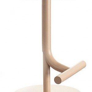 Regolabile in altezza con pistone a gas e seduta in poliuretano, sgabello Tibu di Magis (www.magisdesign.com)