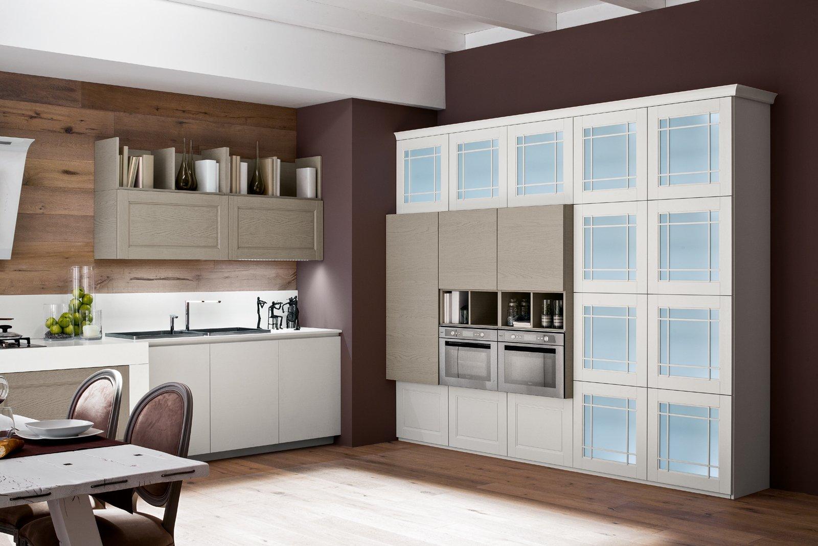 Cucina con vetrina soprattutto classica o in stile industriale cose di casa - Cucine con vetrate ...