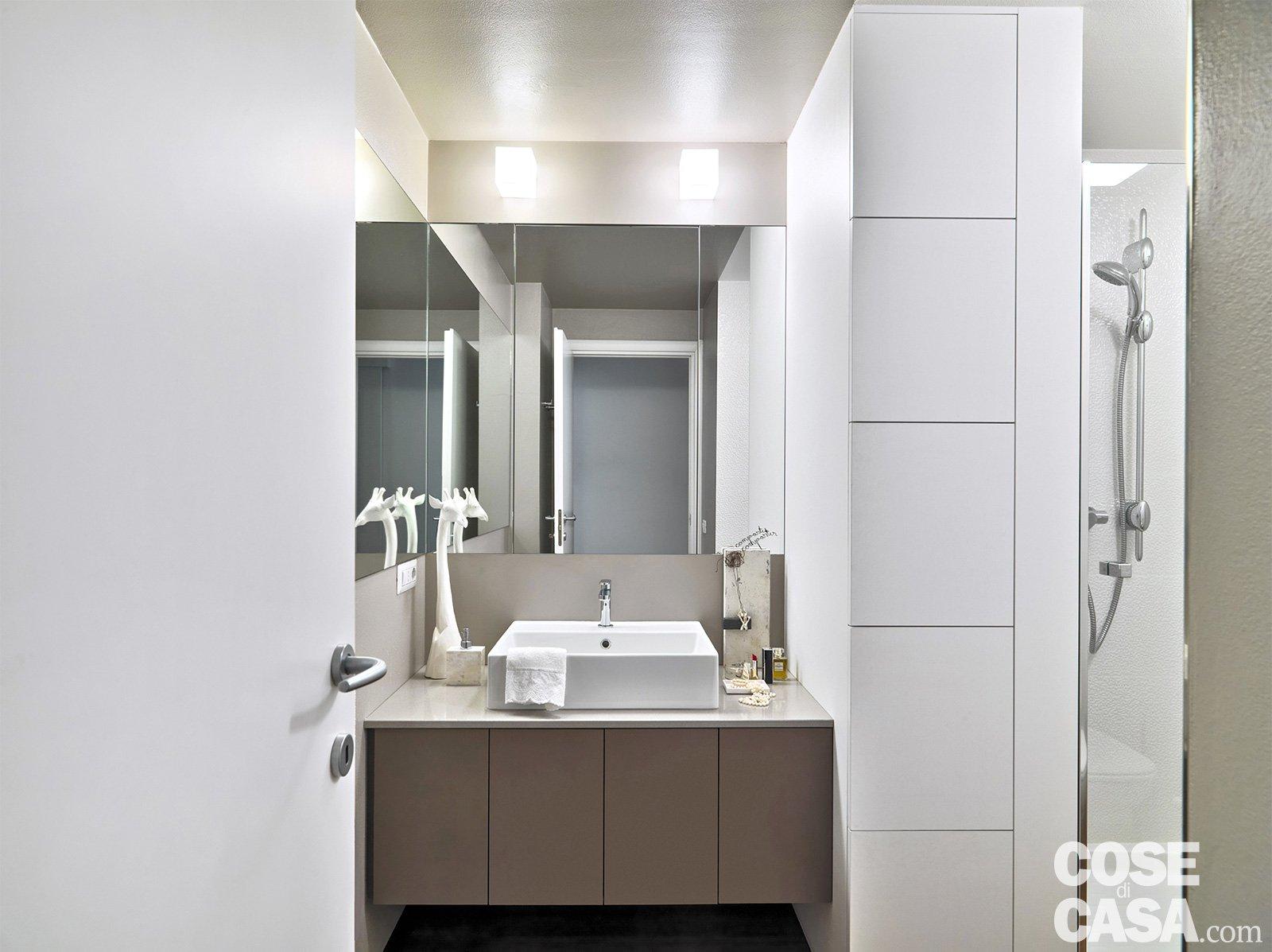 Bagno cose di casa for Piccoli piani di casa con un sacco di finestre