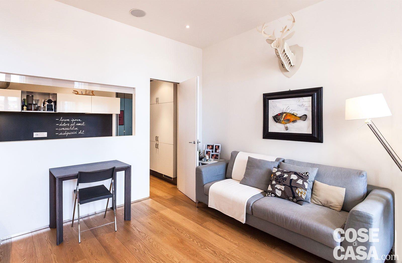 50 mq con soluzioni d 39 arredo salvaspazio cose di casa for Soluzioni salvaspazio camera