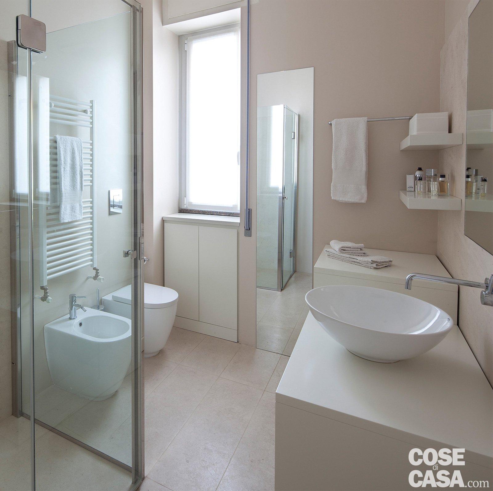 120 mq con un funzionale doppio corridoio e due stanze for Aggiungendo un mudroom al lato della casa