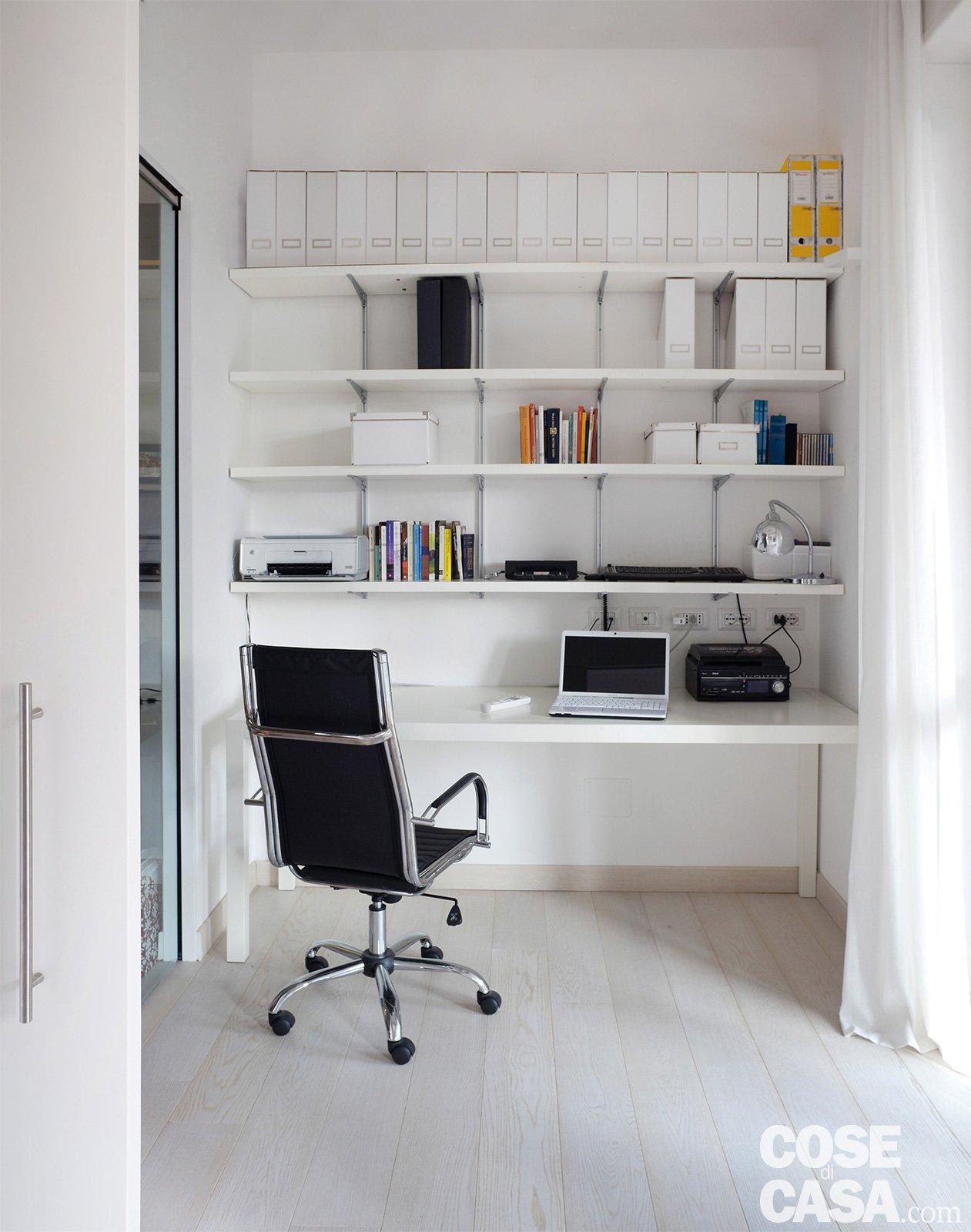 120 mq con un funzionale doppio corridoio e due stanze mutevoli cose di casa - Angolo studio in camera da letto ...