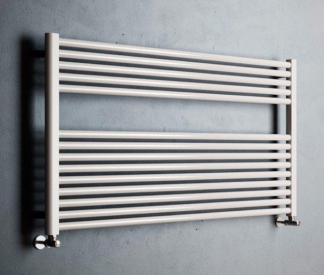 Può avere funzionamento ad acqua, elettrico e misto Claudia Wide di Cordivari (www.cordivari.it), in acciaio verniciato. In varie misure, costa a partire da 215 euro, Iva esclusa.