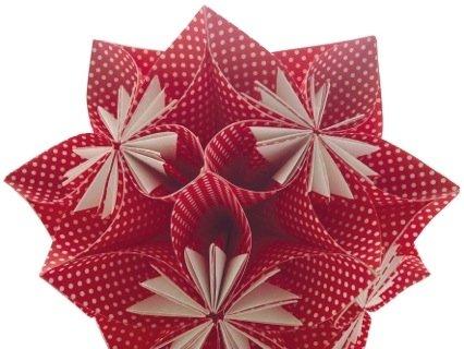 Kusudama perfetto anche come decorazione per Natale