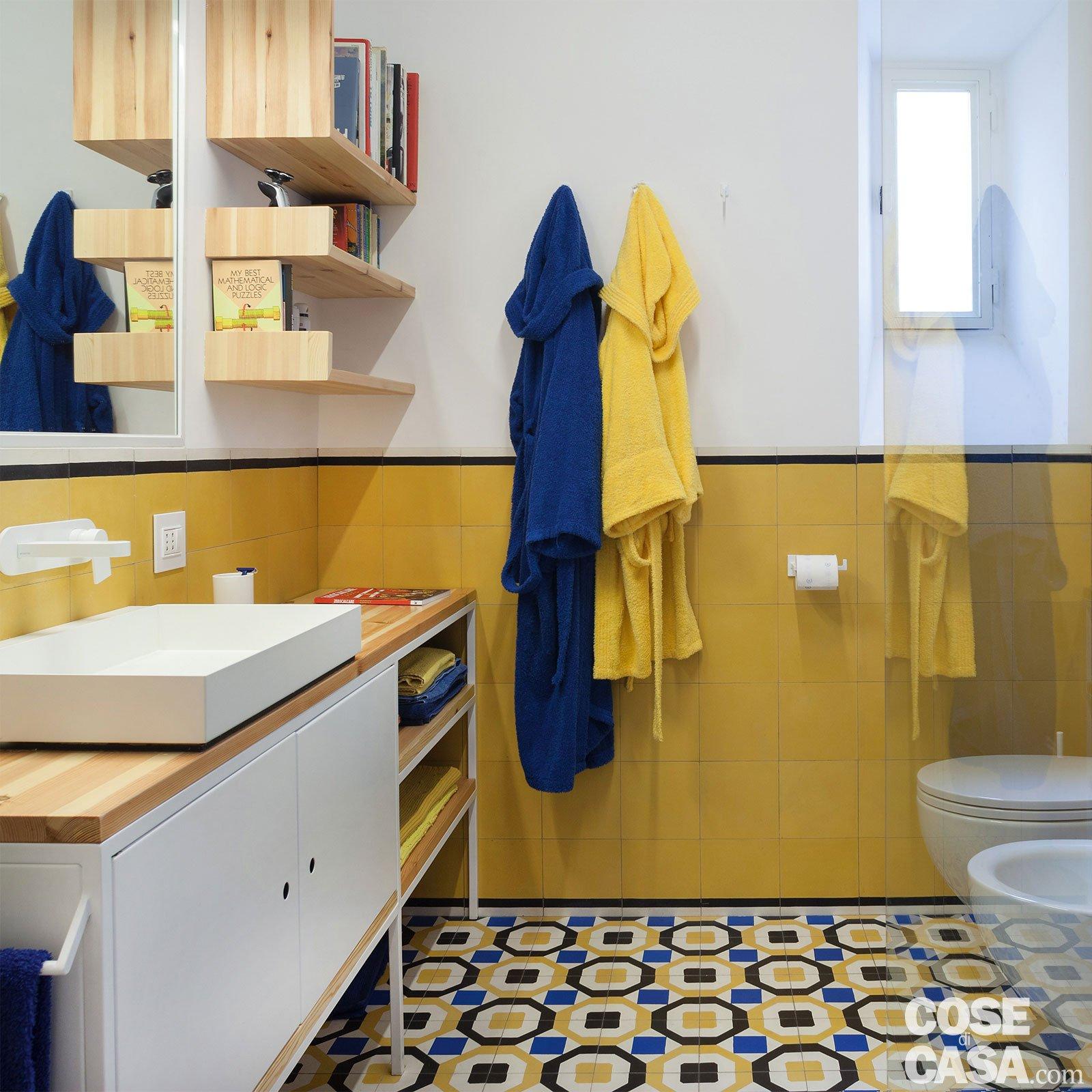 85 mq rinnovati con piastrelle decor, effetto cementina - Cose di Casa