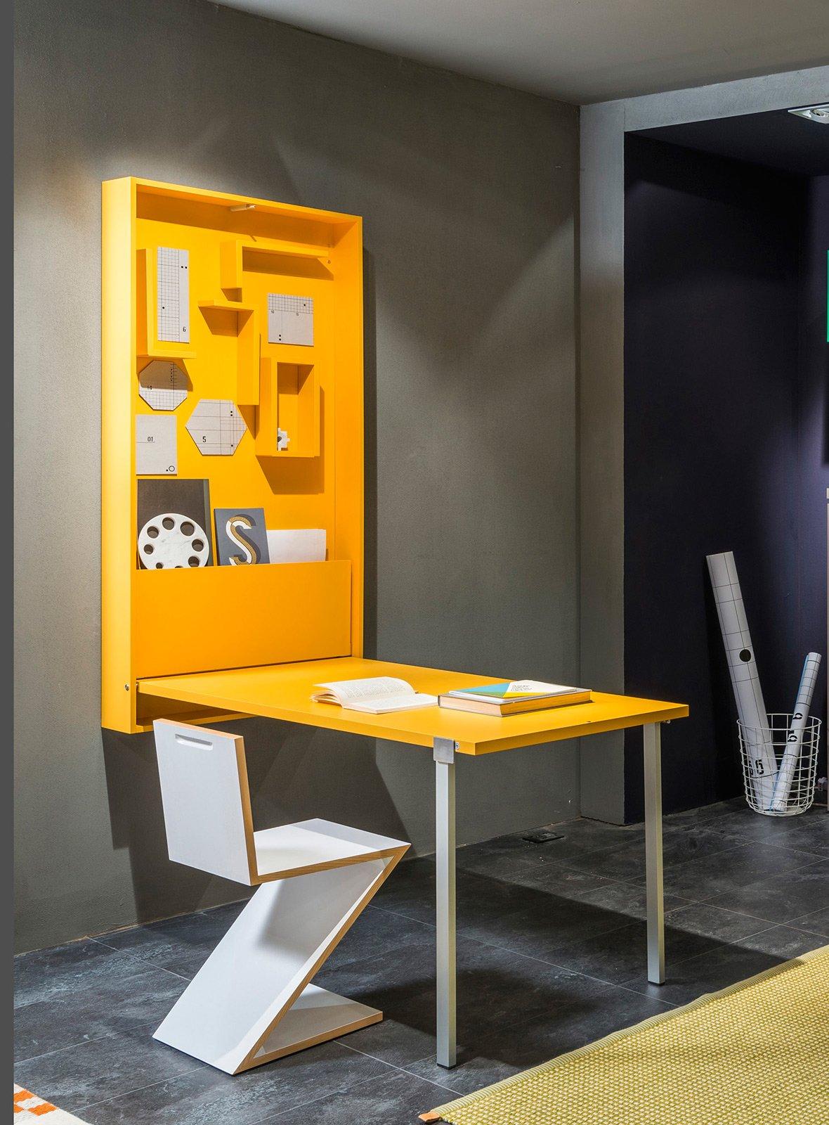 Ikea Scrittoio Con Ribaltina angolo studio in soggiorno: integrato nella libreria o in un