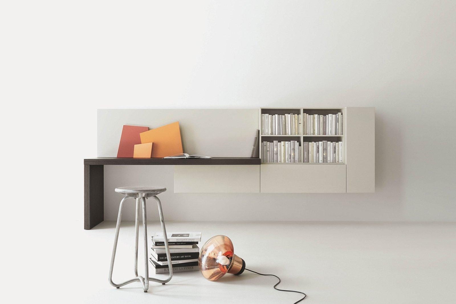 Credenza Angolo Ikea : Angolo studio in soggiorno: integrato nella libreria o un mobile