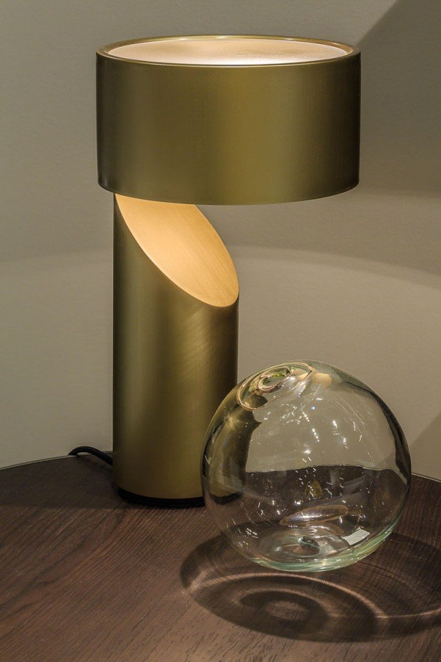 natuzzi-VICO_lamp_-regali-oro-per-la-casa