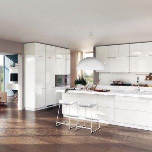Cucina bianca contemporanea: modello Liberamente