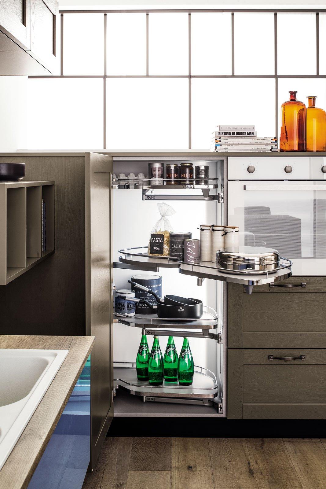 Cucine Con Angolo Cabina.Sfruttare L Angolo In Cucina Soluzioni E Foto Modelli Cose Di Casa