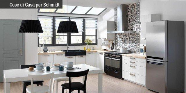Legno protagonista in cucina con Schmidt