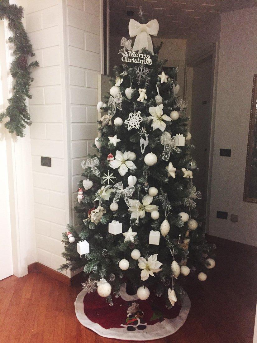 Albero bianco cose di casa - Decorazioni natalizie moderne ...